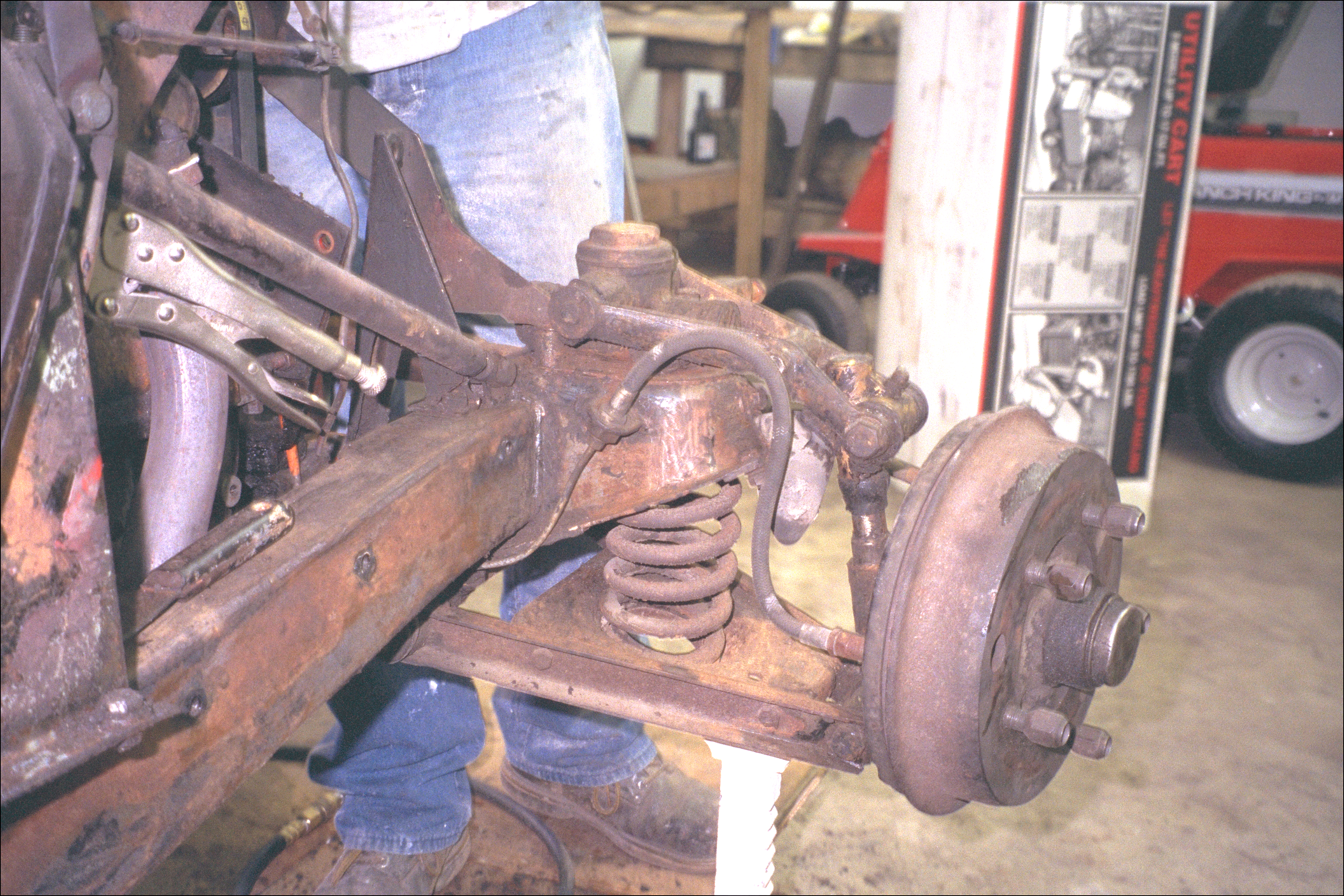Front right suspension and wheel