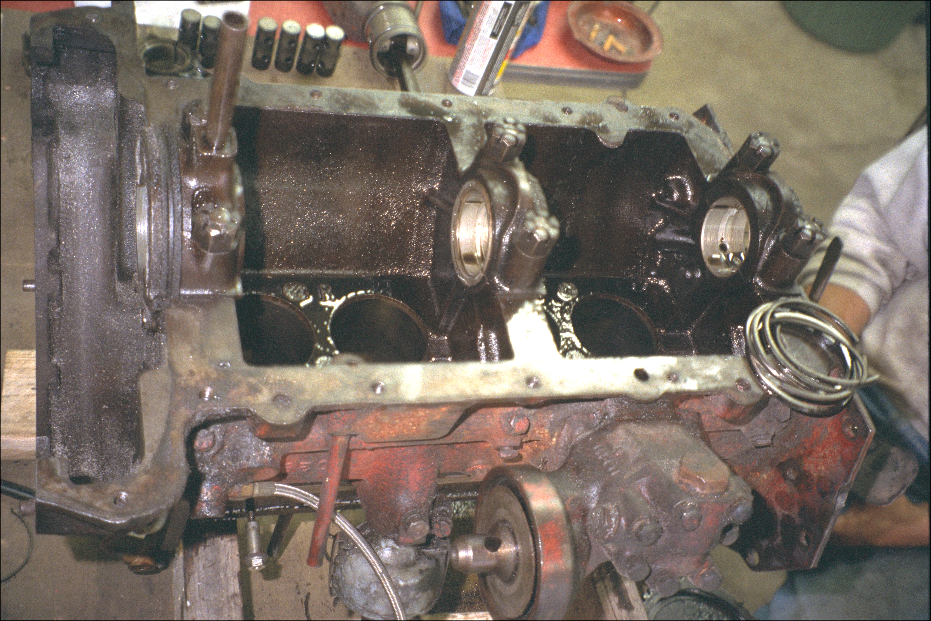 Engine interior, viewed from bottom