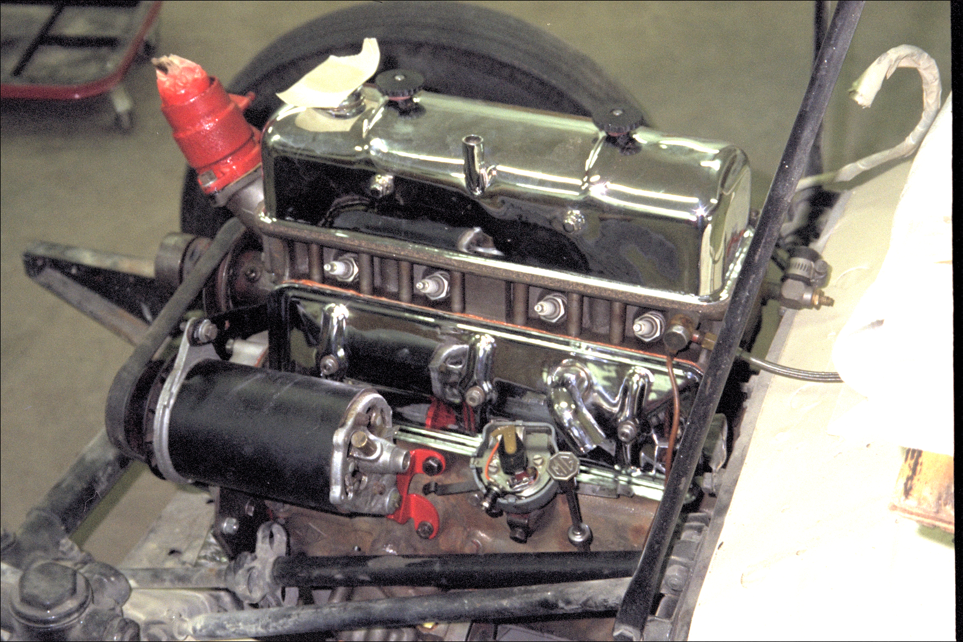 Engine connected to transmission