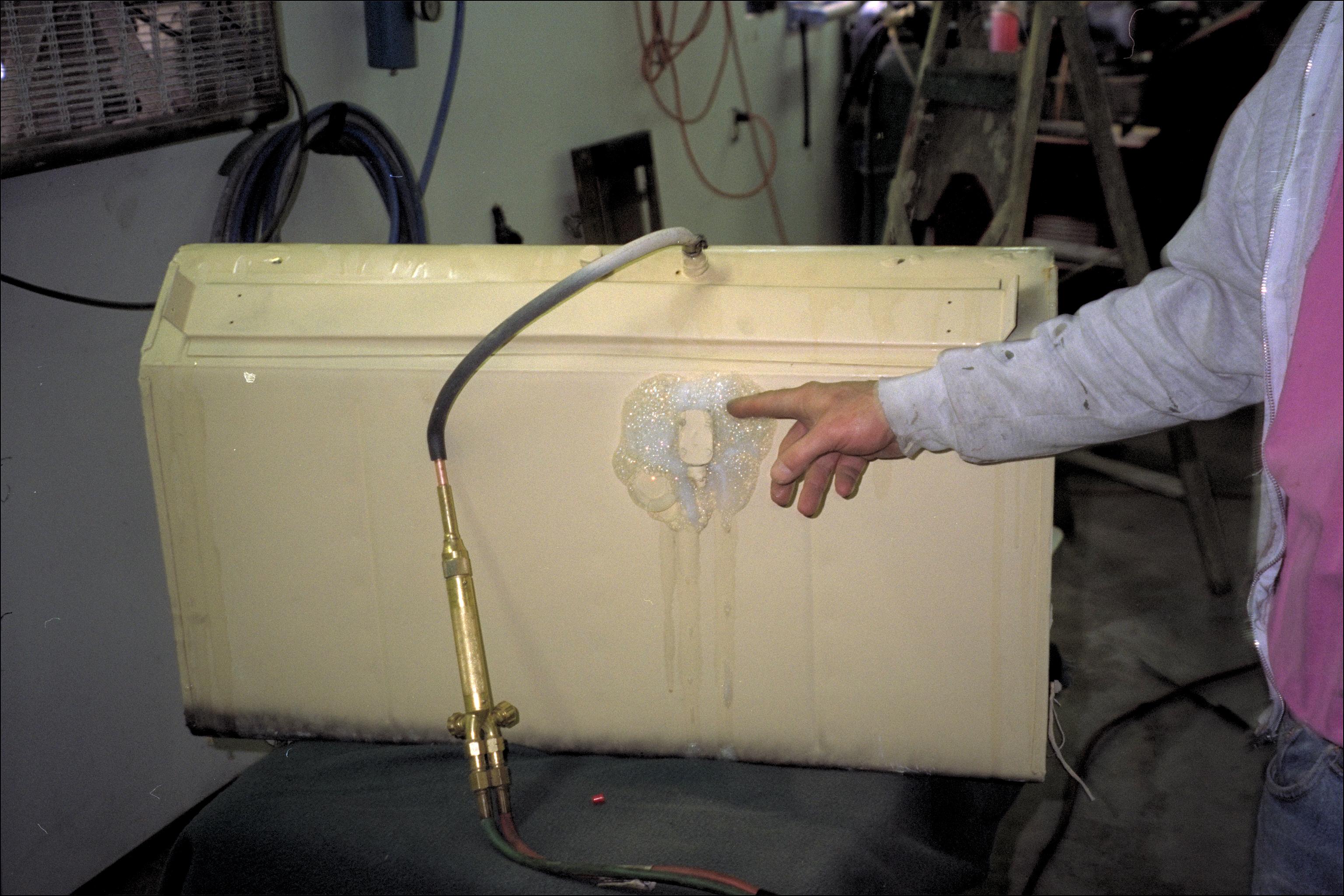 Gas tank foaming pressure test
