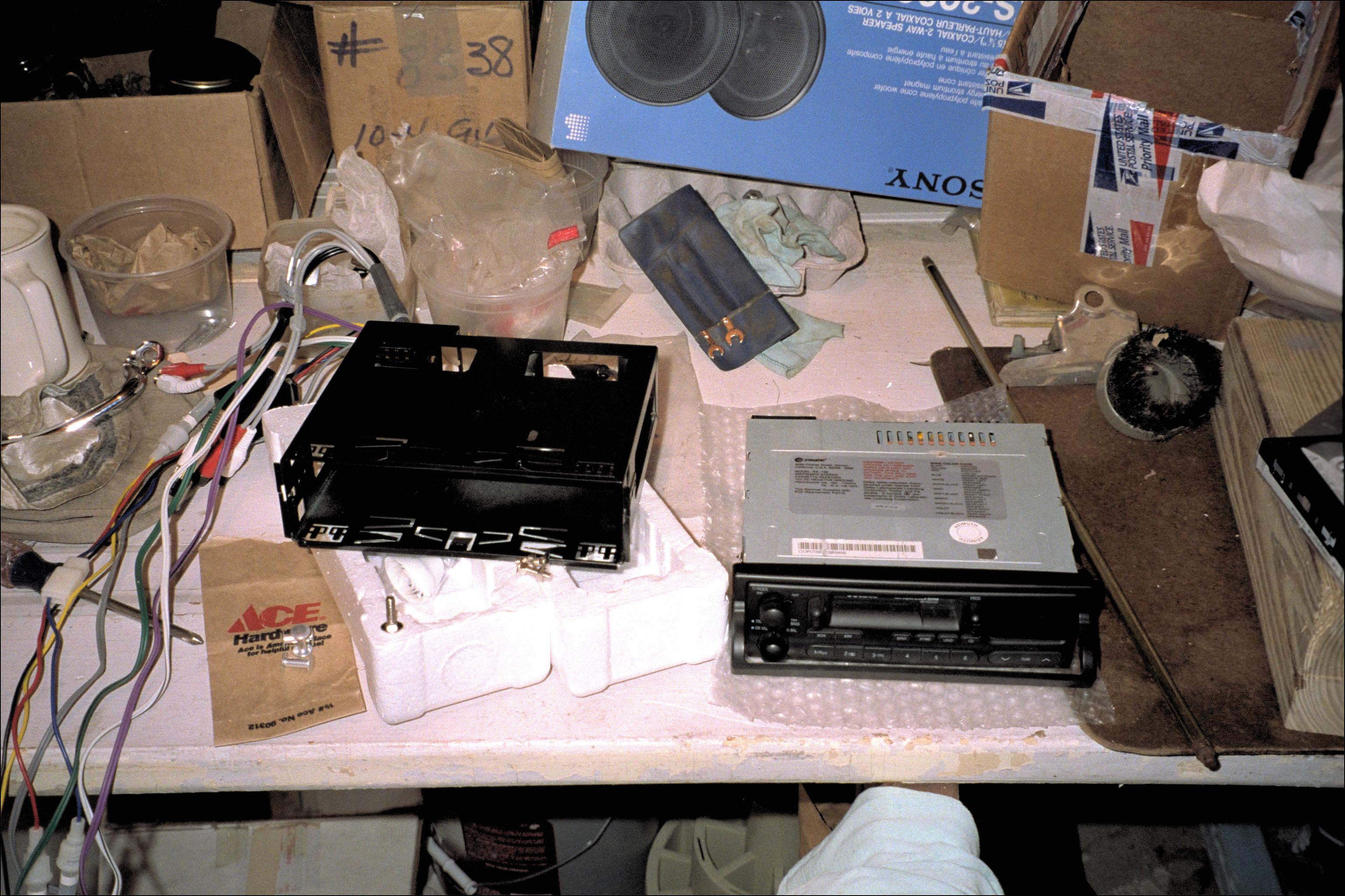 Stereo & under dash mount box